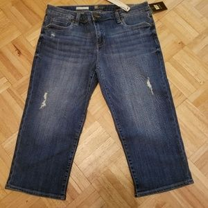 NWT Kut from the Kloth distressed cropped jeans